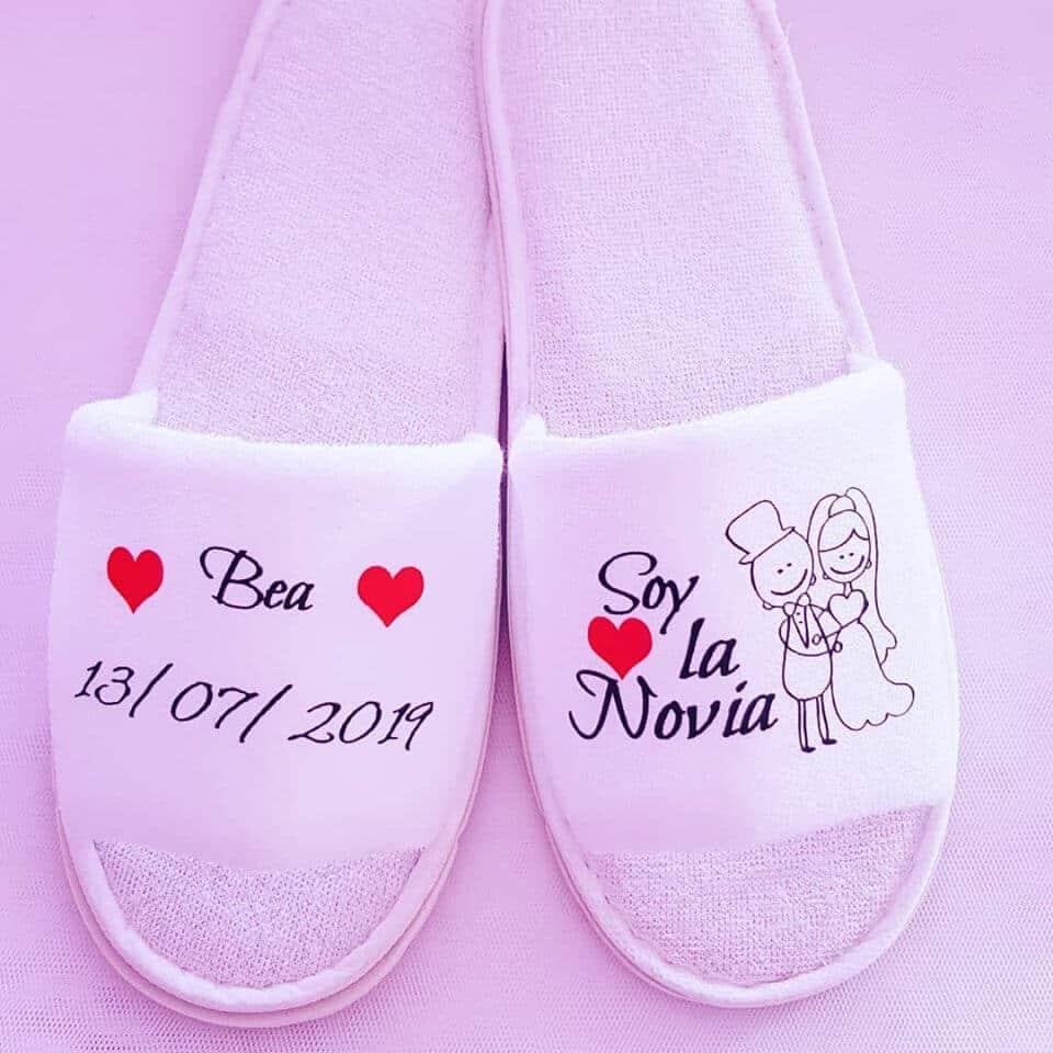 bata personalizada zapatillas personalizadas novia - Batas y Zapatillas Personalizadas por la novia 2 - Zapatillas personalizadas novia | Zapatillas personalizadas boda