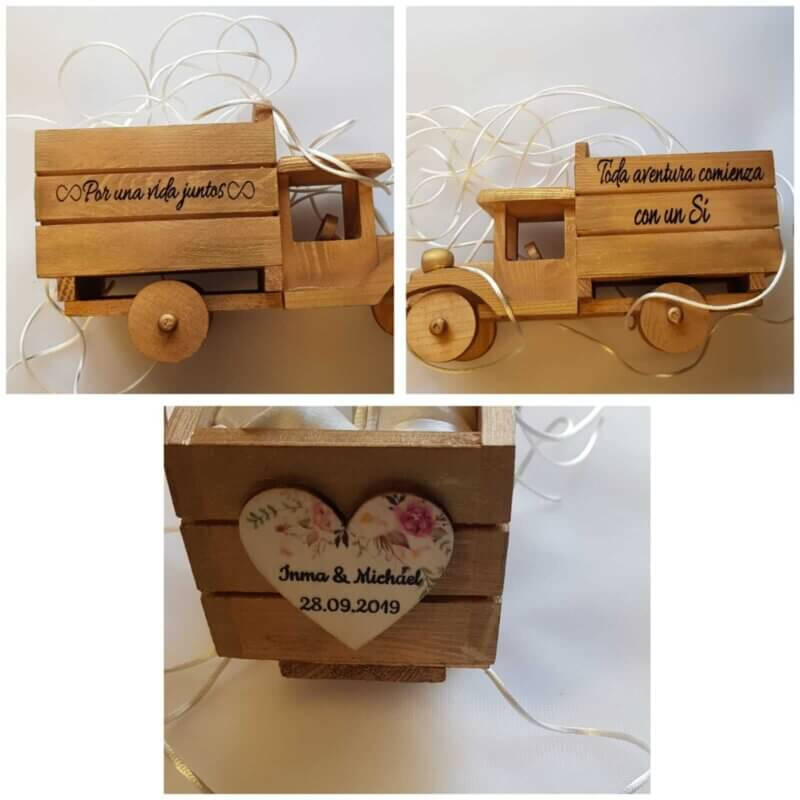 camion de madera porta alianzas   camión porta alianzas