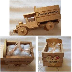 Camion de madera porta alianzas