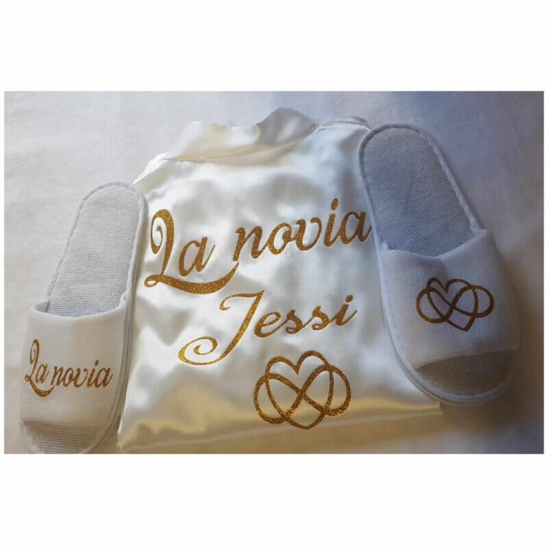 batas personalizados Batas Personalizadas Batas Personalizadas novia bata personalizada Batas Novias Originales Novias originales Bata para novias Bata Blanca